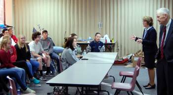 � Justice McEvers and Chief Justice VandeWalle team up to talk with students.