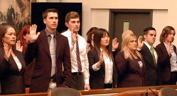 The new PAD members take their oath.
